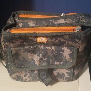 Igloo camo lunchbox,  8x6x4